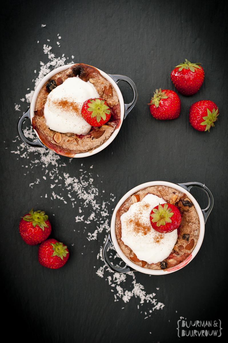 Gezond ontbijt met havermout en aardbeien| Buurman & Buurvrouw